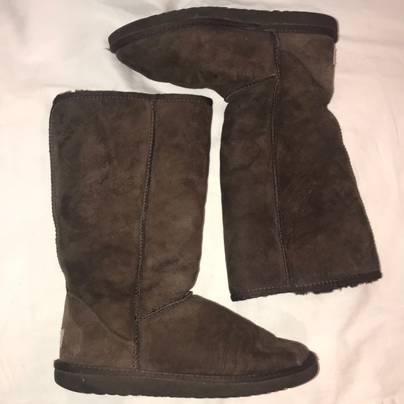 Ugg Classic Tall Snow Boots Size 8 Chocolate